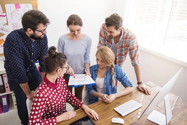 """Taller """"Fortaleciendo Equipos de Trabajo con Millennials"""""""