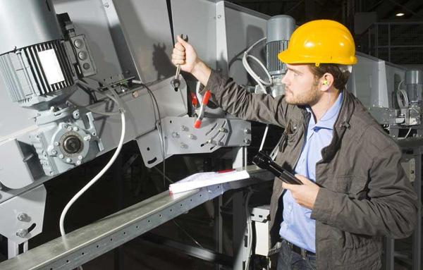 Taller de Seguridad Industrial sobre Electricidad